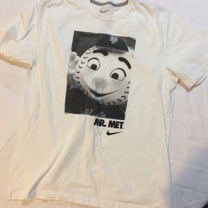 Mr Met t shirt size Large